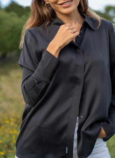Silk and Cashmere İpek Audrey Geniş Manşet Uzun Kollu Gömlek Siyah